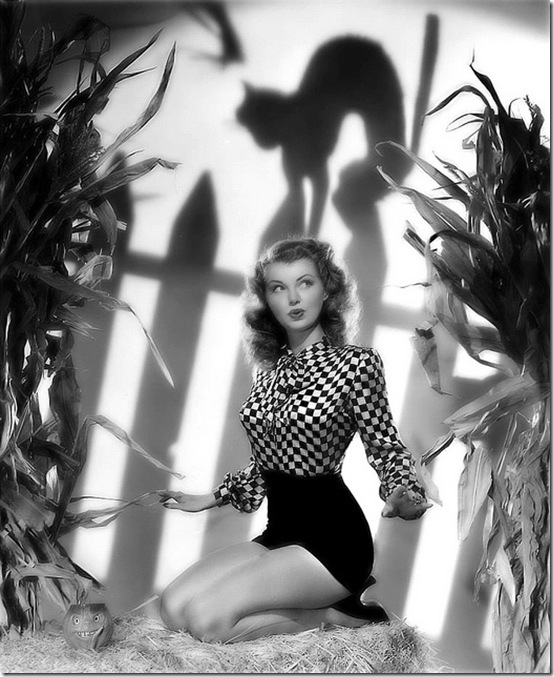 Hot Ink: Whatever Happened To Pinup Halloween Photos?